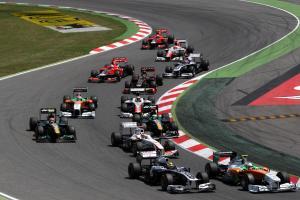 22.05.2011- Race, Start, Pastor Maldonado (VEN), Williams FW33 and Paul di Resta (GBR) Force India V