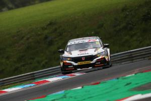 Cammish tops drying opening Thruxton practice