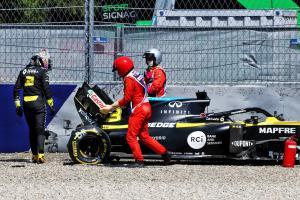 Ricciardo escapes injury in heavy F1 FP2 shunt, apologises to team