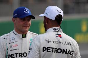Mercedes won't favour Hamilton over Bottas in F1 title fight