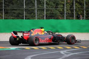 Renault confirms Ricciardo DNF caused by clutch issue