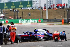 Albon takes new power unit, gearbox after practice crash