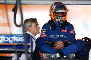 Sainz preparing for pain after FP1 engine issue