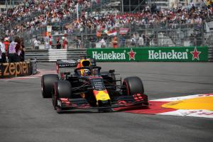 Verstappen: Traffic, tyre struggles exaggerated gap to Mercedes