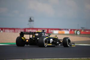 Ricciardo: MotoGP riders won't like Silverstone resurfacing