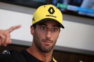 Ricciardo: Renault needs to regain winning mentality