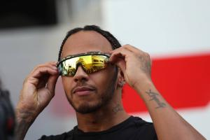 "Hamilton not against shaking up ""boring"" F1 formats"