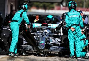 Mercedes downplays Bottas' late electrical issue