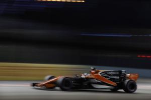 McLaren admits it's lost two weeks of development for 2018