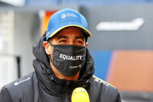 Daniel Ricciardo: Tyre temps could 'throw spanner in the works' at F1 Eifel GP