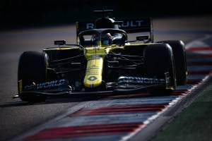 Daniel Ricciardo 'drawing confidence' from strong Friday after P3 in F1 practice