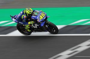 'Upset' Rossi beaten by the clock, track 'doesn't drain'