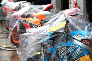 British MotoGP start delayed by heavy rain