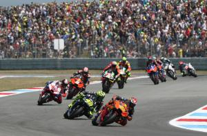 'Brilliant' Espargaro beats the pain