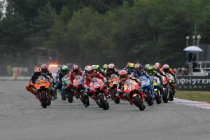 'Non-elegant' Zarco move ends Morbidelli, Mir race