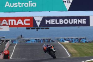Oliveira 'pushed out of the track'