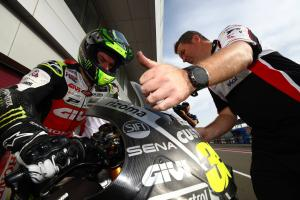 Crutchlow 'toughs it out' on final day