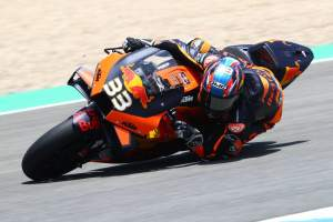 Pol: KTM 'faster everywhere', Binder sets 'amazing' pace