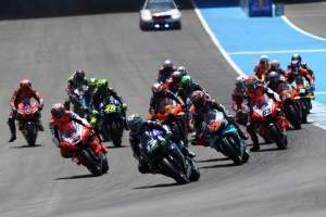 Who improved going back-to-back at Jerez?