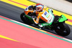Cluzel takes World Supersport title fight to final round