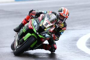 Rea edges van der Mark for Magny-Cours pole in wet, Bautista 14th