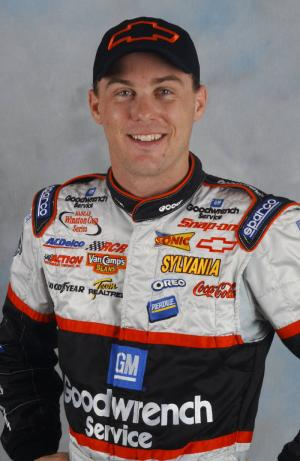 One-race Harvick staying focused at Pocono.