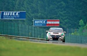 WTCC Austria 2013: Nykjaer handed pole by mass penalties