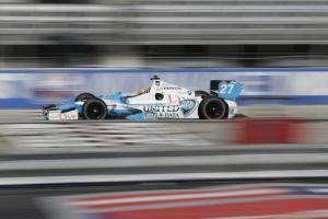 Hinchcliffe starts fastest at Milwaukee