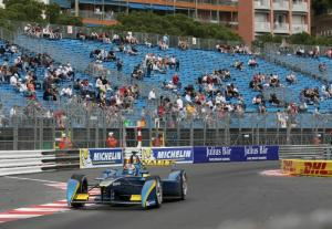 Buemi wins after first corner pile up in Monaco