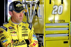 Kenseth suspended for Logano retaliation