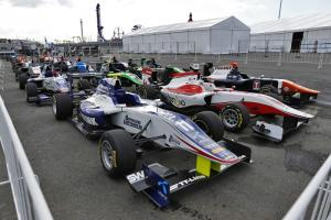 GP3 race 1 'cancelled' after big F1 practice accident