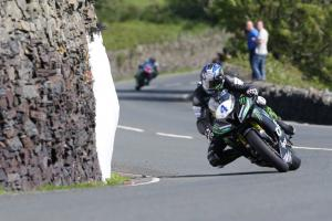 TT 2016: Hutchy's Yamaha legal, say organisers