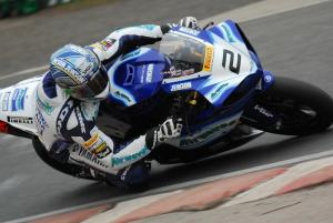 Camier restores order with dominant win