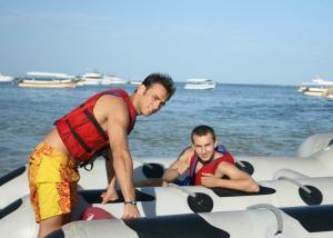 PICS: Jorge Lorenzo on holiday in Bali.