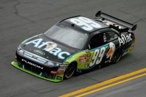 NASCAR to review Edwards-Keselowski wreck