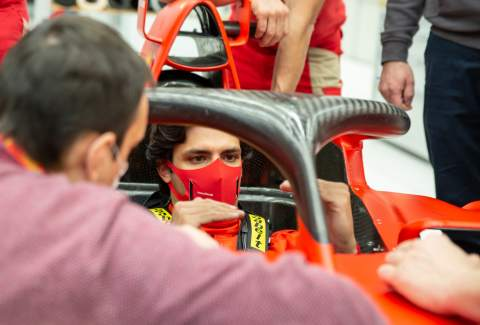 Sainz ramps up work on Ferrari simulator ahead of 2021 F1 season