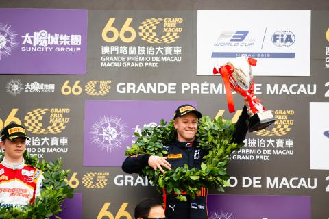 Vips takes dominant victory in Macau qualifying race