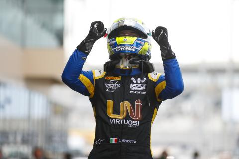 Ghiotto closes out F2 season with Abu Dhabi Sprint Race win