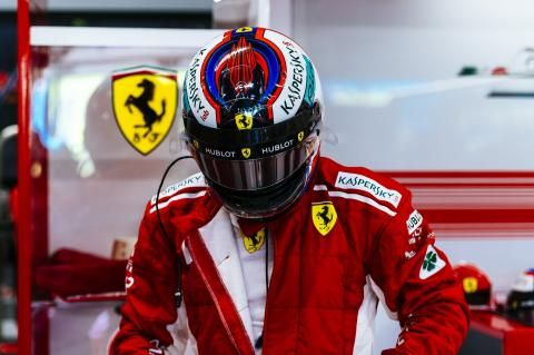Raikkonen fastest in Singapore FP2 as Vettel hits wall