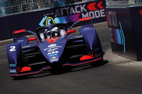 Bird wins Santiago thriller after Buemi crashes out