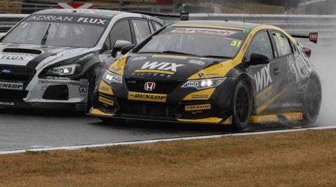 Goff beats Sutton after spectacular last lap duel