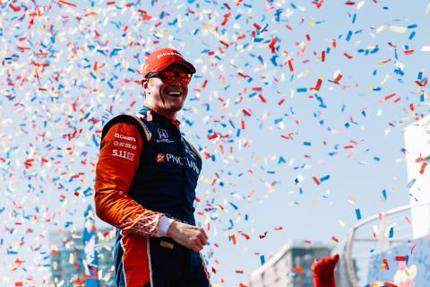 Dixon signs multi-year Ganassi contract extension
