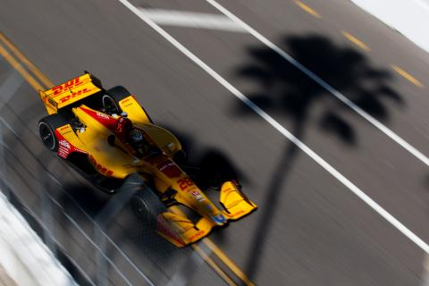 Ryan Hunter-Reay continues to show muscle in final practice