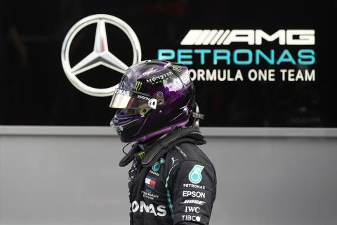 "Lewis Hamilton refutes ""made up"" reports about F1 salary demands"