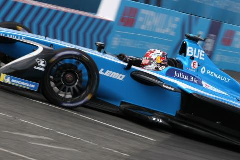 Buemi takes pole for New York Formula E finale