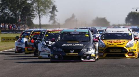 Lloyd hails 'awesome' maiden BTCC victory