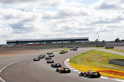 FIA F2 Silverstone 2 - Feature Race Results