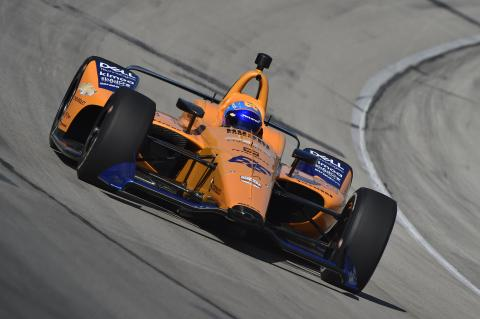 Alonso makes Indy car oval test return in Texas