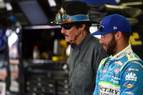 Bubba Wallace survives chaos to take 3rd place finish at Indianapolis