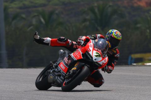 Davies wins race two, Rea made to wait